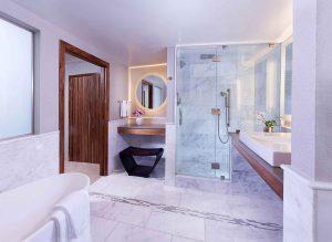 E-Central Hotel Platinum Suite Bathroom